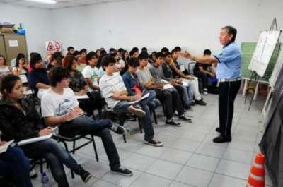 Alumnos de diez colegios de la ciudad participarán de charlas de educación vial.