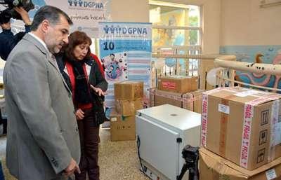 Centros de Salud cuentan con modernos equipos para análisis bioquímicos..