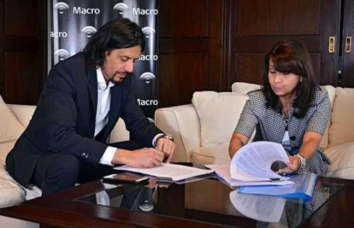 La Provincia firmó convenio con Macro para la construcción de una sucursal