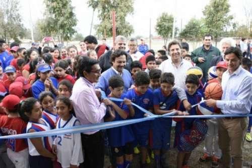 Sáenz participó de la inauguración del playón de Cachorros