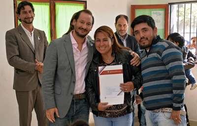 La Provincia entregó 139 escrituras a familias de la zona sudeste