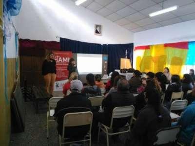Abogados ayudan a resolver conflictos: visita a Escuelas