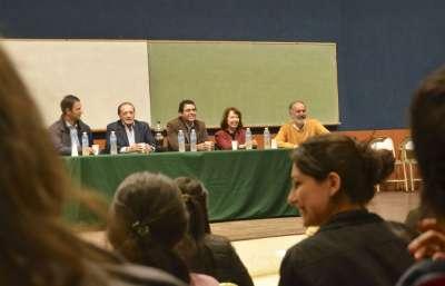 Escudero se reunió con jóvenes universitarios y secundarios