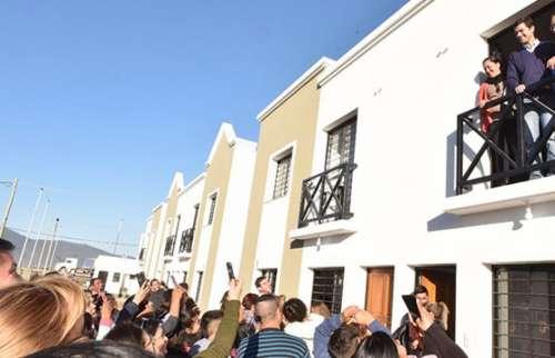 """Juan Manuel Urtubey: """"Una casa nueva cambia la vida"""""""