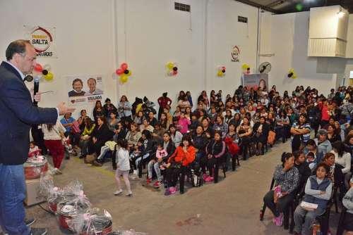 Quinientas madres de Primero Salta celebraron su día en la sede