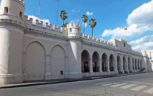 La Policía de Salta desmiente mensajes virales sobre saqueos a comerciantes